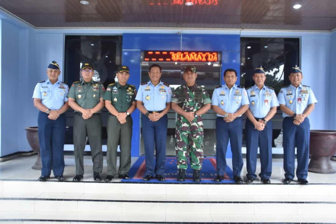 Pangkoopsau II Terima Kunjungan Pangdam XIV Hasanuddin