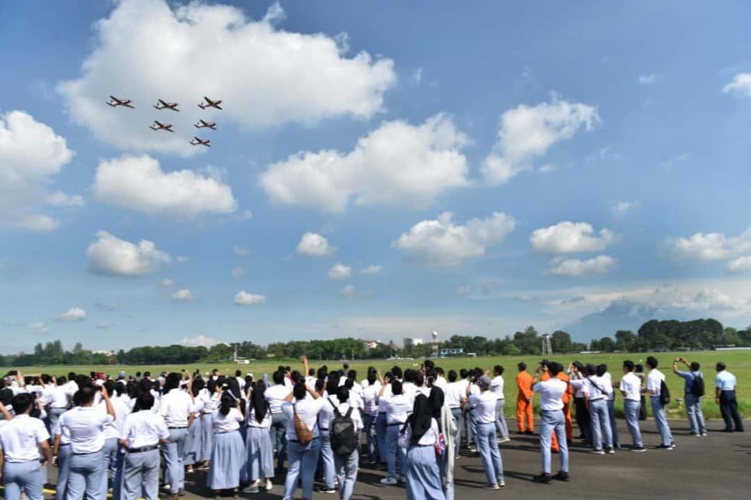 Kenalkan Sekolah penerbang TNI AU kepada Siswa SMA Lab School Jakarta