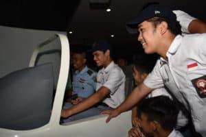 Kenalkan Sekolah penerbang TNI AU kepada Siswa SMA Lab School