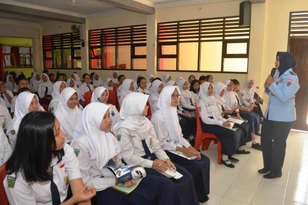 Sosialisasi PPDB SMA Pradipta Dirgantara oleh Lanud Abdulrachman Saleh di Kota Blitar