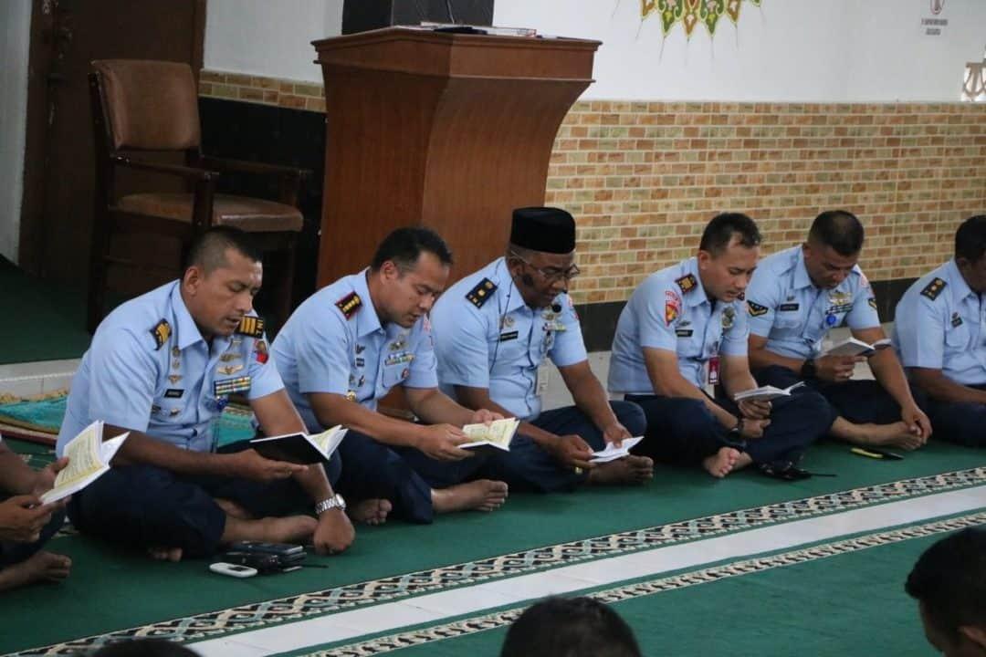 Sambut Tahun Baru 2020, Personel Lanud Sutan Sjahrir Gelar Doa Bersama