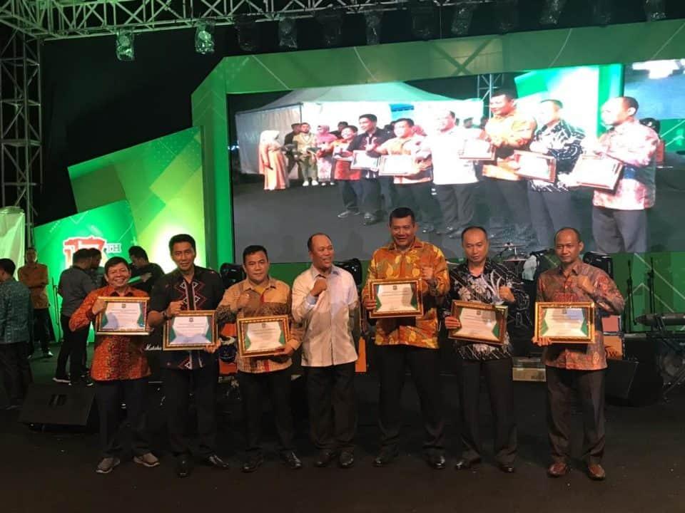 Danlanud Haluoleo Mendapat Penghargaan Dan Apresiasi Dari Pemda Konut Dalam Penanganan Banjir 2019.