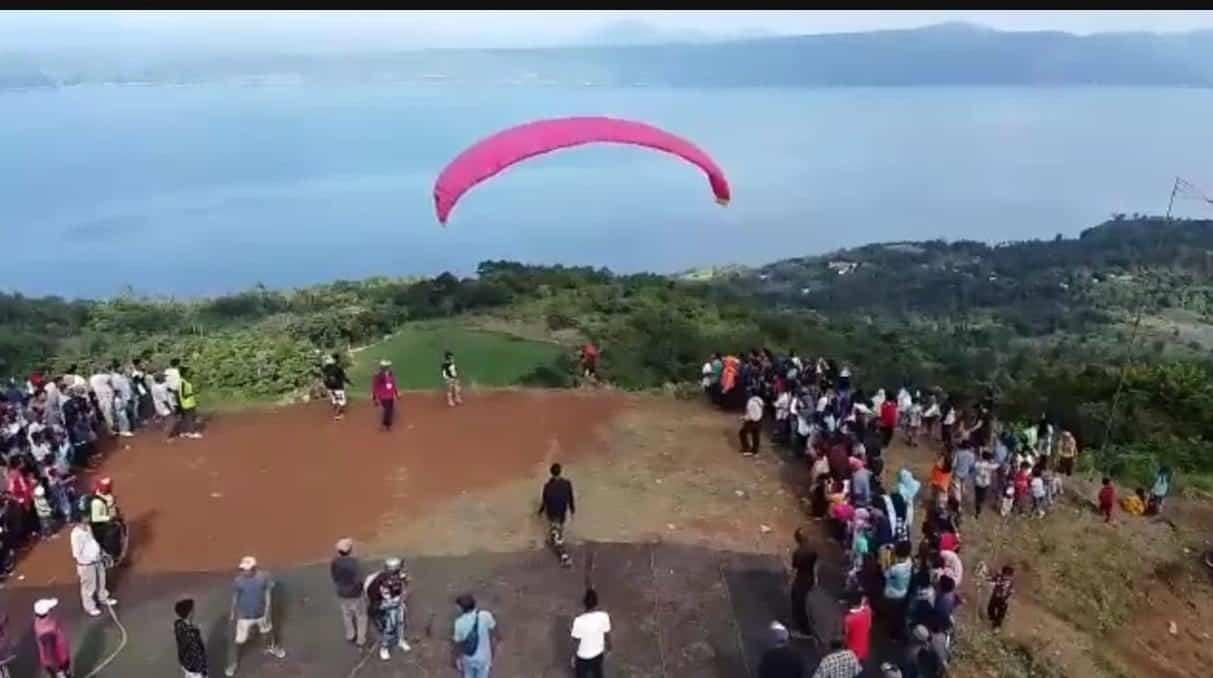 Fun Fly Paralayang dan Trail Adventure Berpotensi Kembangkan Wisata Danau Singkarak Provinsi Sumatera Barat
