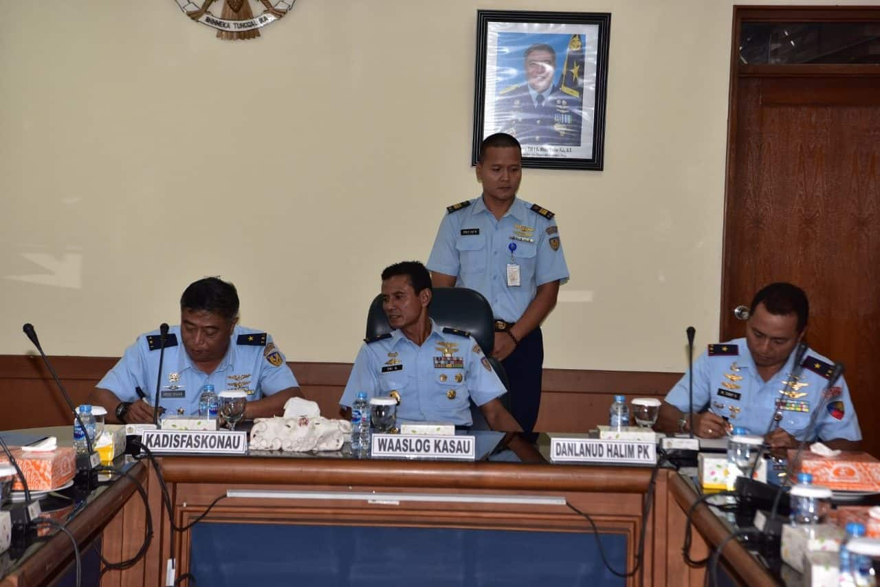 Lanud Halim Perdanakusuma Terima Buku Sertifikat Tanah TNI AU
