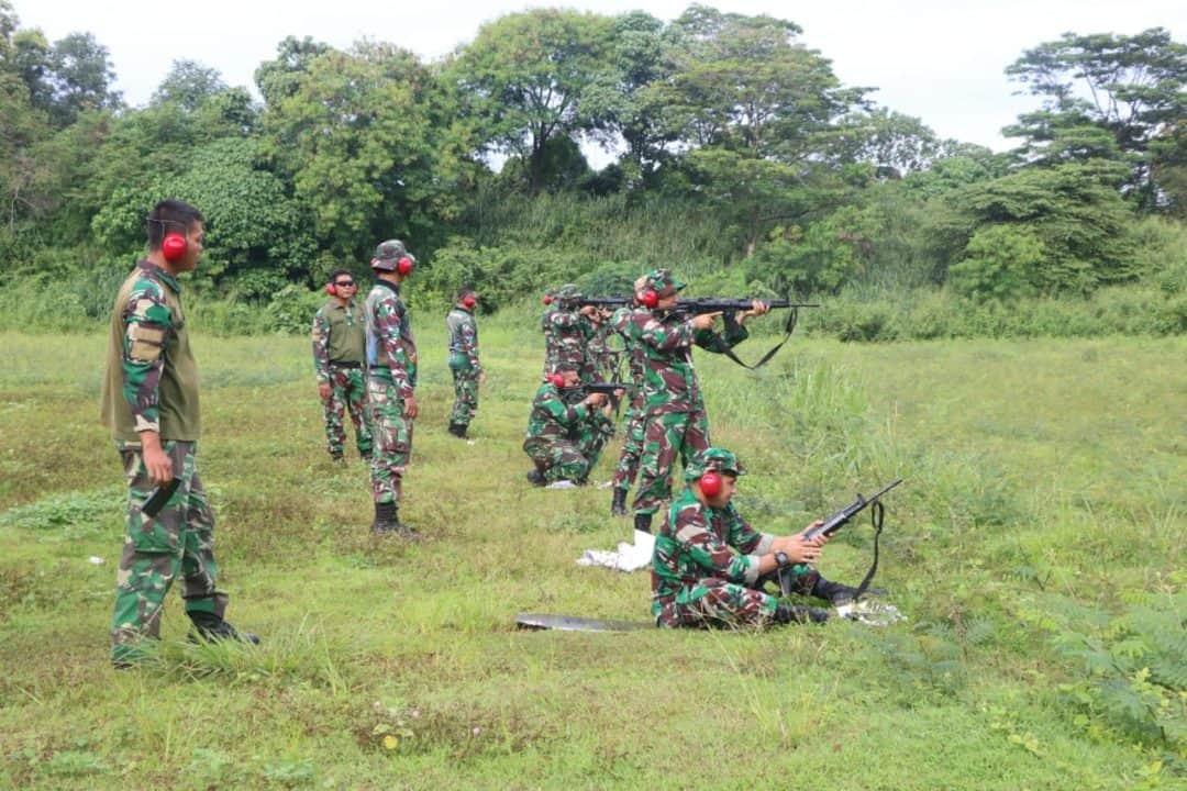 Asah Kemampuan, Anggota Lanud Halim Perdanakusuma Latihan Menembak