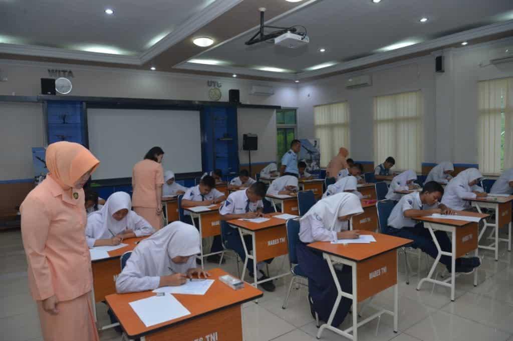 Pelaksanakan Tes Daerah PPDB SMA Pradita Dirgantara di Lanud Sultan Hasanuddin