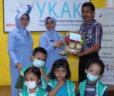 Peringati Hari Kanker Sedunia PIA Ardhya Garini CBS AAU Kunjungi Yayasan Kasih Anak Kanker Indonesia