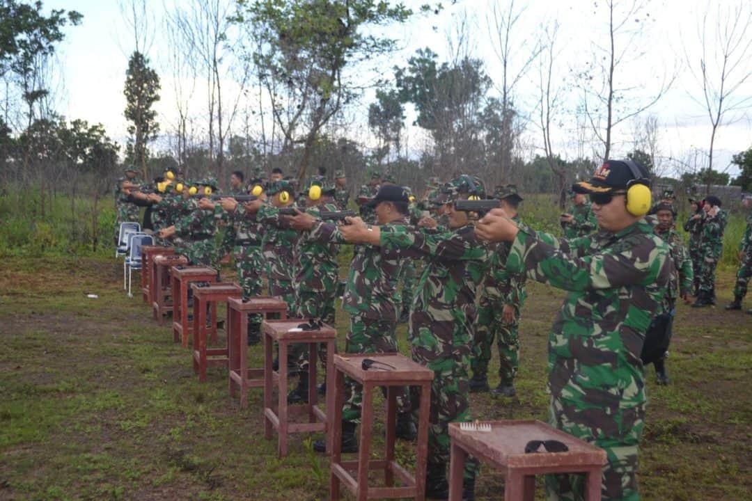 Lanud Sjamsudin Noor Laksanakan Latihan Menembak di AWR Maluka Baulin