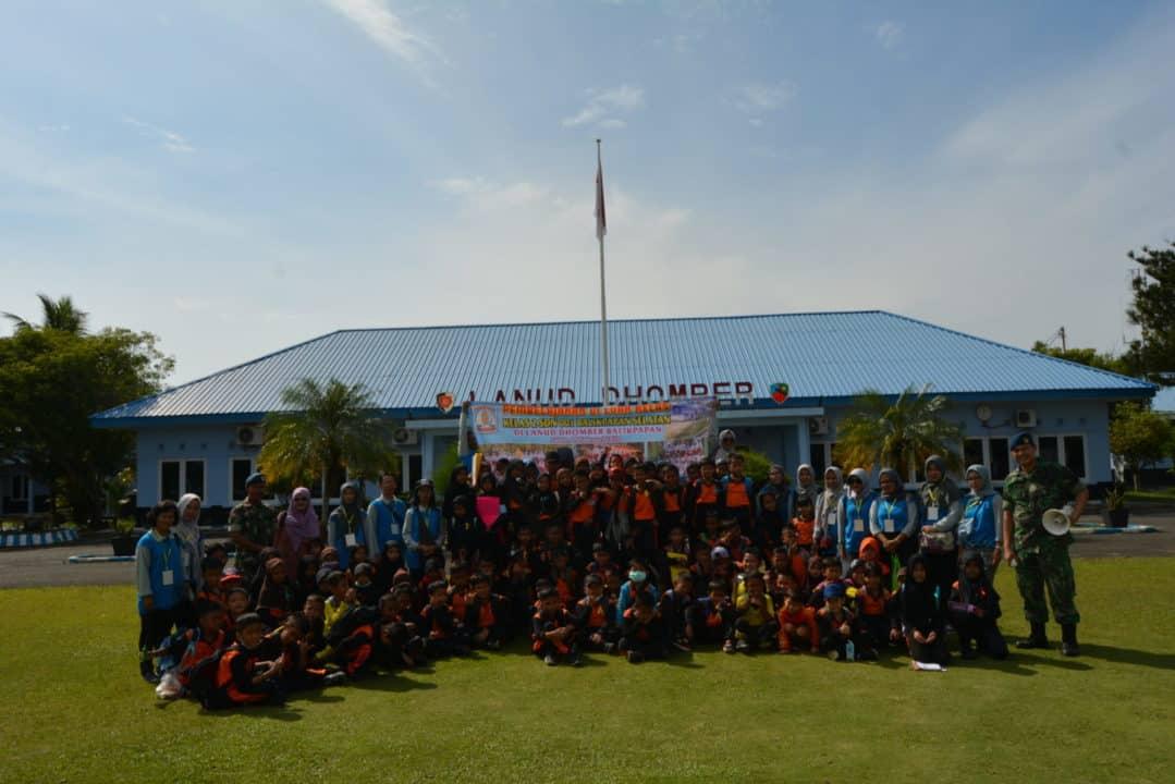 Wisata Edukasi SD 001 Balikpapan Di Lanud Dhomber