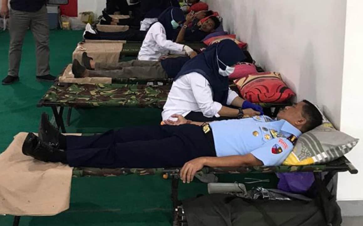 Komandan Lanud Sjamsudin Noor Ikuti Donor Darah Di Bandara Internasional Syamsudin Noor