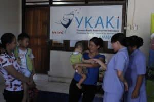 Kunjungan PIA Ardhya Garini Cabang 9/D. II Lanud Sam Ratulangi Ke Rumah Singgah YKAKI Cabang Manado