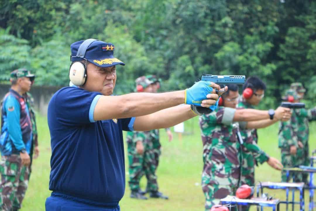 Dankodiklatau Ikuti Latihan Menembak