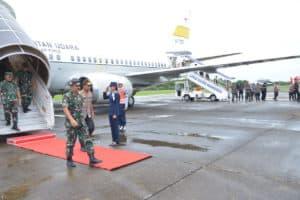 Panglima TNI dan Kapolri Transit di Lanud Sultan Hasanuddin