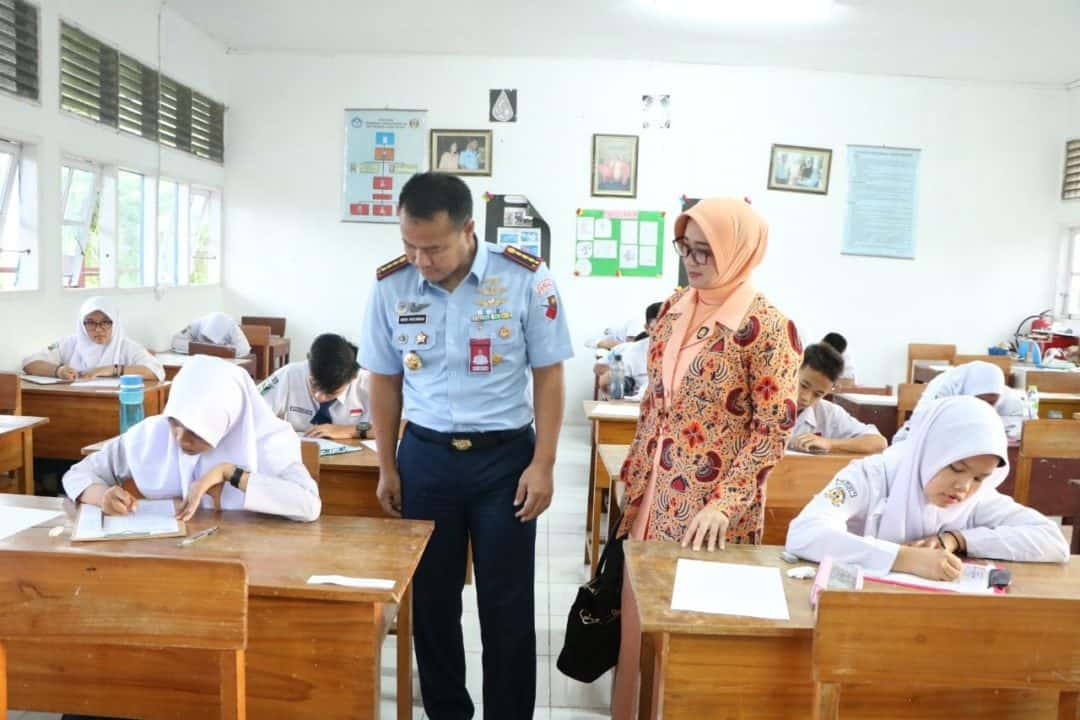 Danlanud Sutan Sjahrir Tinjau Seleksi Daerah SMA Pradita Dirgantara