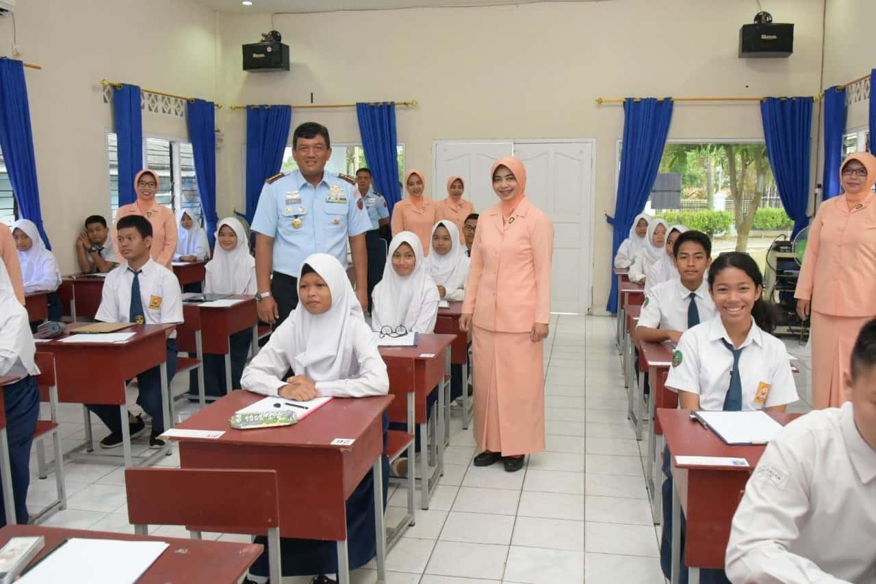 48 Casis SMA Pradita Dirgantara Laksanakan Tes Akademik di Lanud RHF