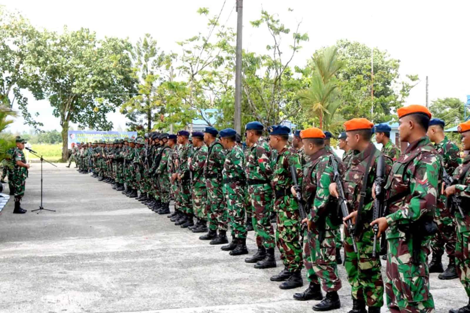 Satgas Pamrahwan Yonko 462 Paskhas Pos Timika Melaksanakan Apel Gabungan TNI Dan Polri