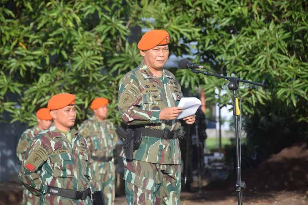 Wing II Paskhas Melaksanakan Upacara Bendera Bulanan Korpaskhas