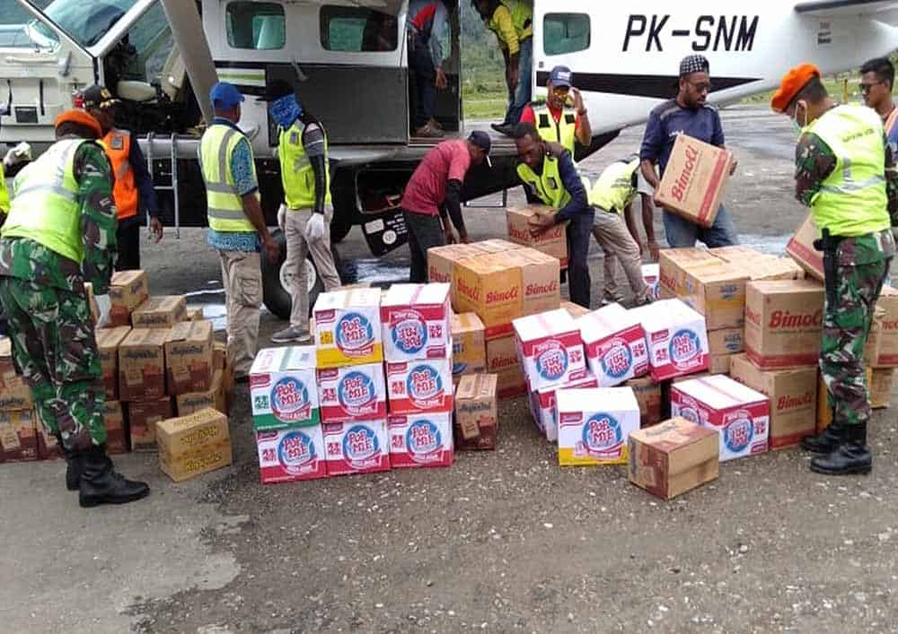 Satgas Pamrahwan Yonko 462 Paskhas Pos Oksibil Melaksanakan Pencegahan Virus Corona Di Bandara Oksibil