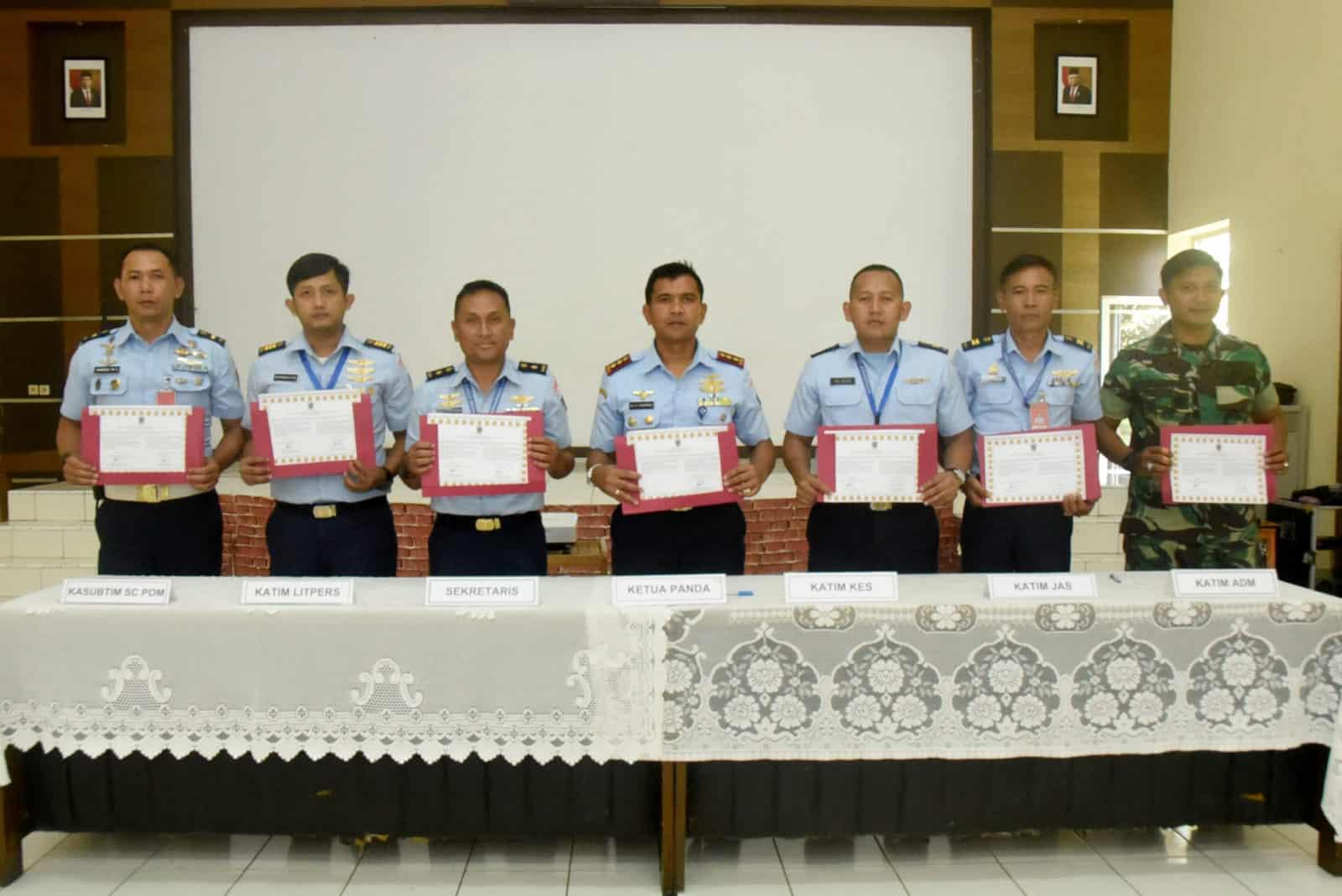 Lanud Wiriadinata Gelar Penandatanganan Pakta Integritas Tim Seleksi Penerimaan Casis Tamtama TNI AU Gel. I Tahun 2020