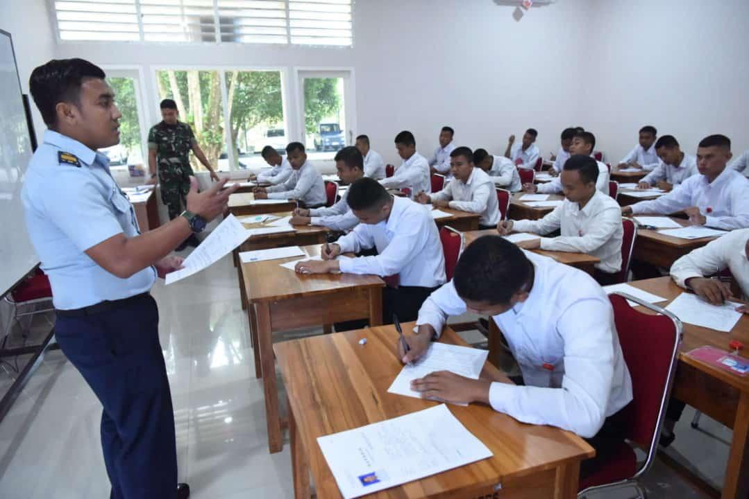 50 Calon Tamtama TNI AU Ikuti Tes Psikologi