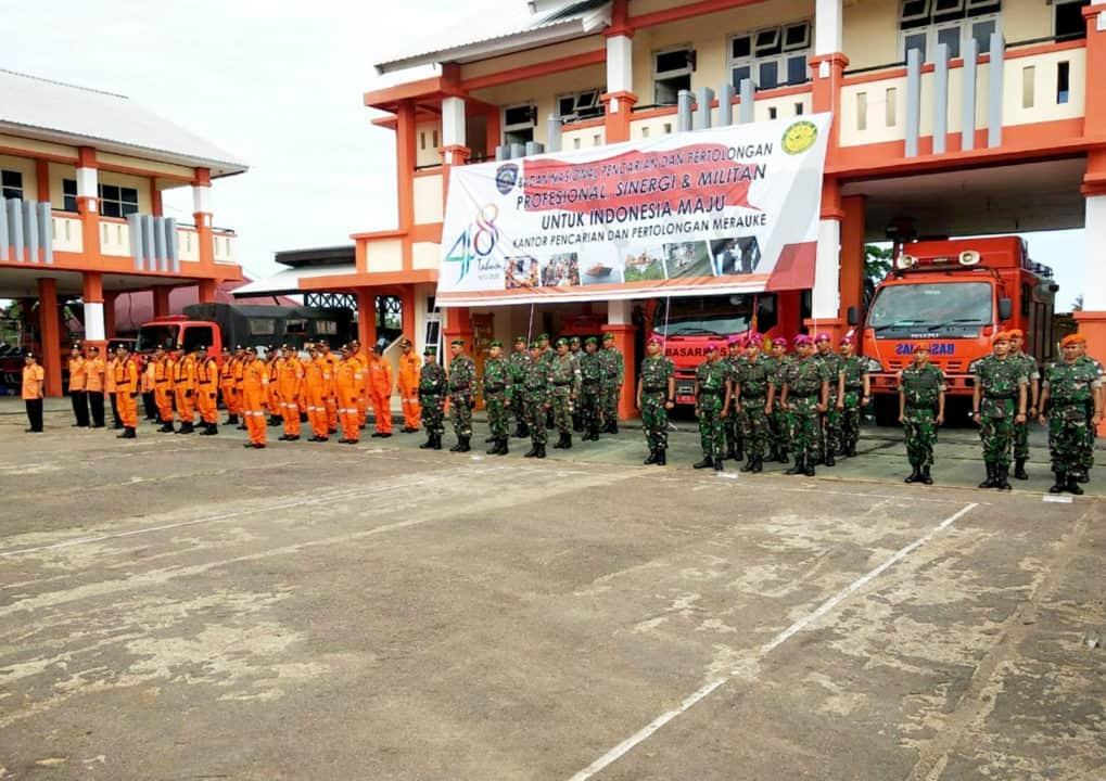 SatgasPamrahwan Yonko 462 Paskhas Pos Merauke Mengikuti Upacara HUT Basarnas