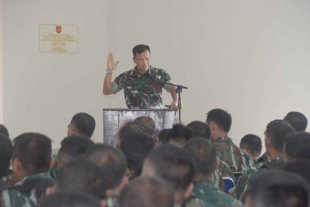 Prajurit Paskhas Wilayah Makassar Mengikuti Ceramah Lamja Korpaskhas