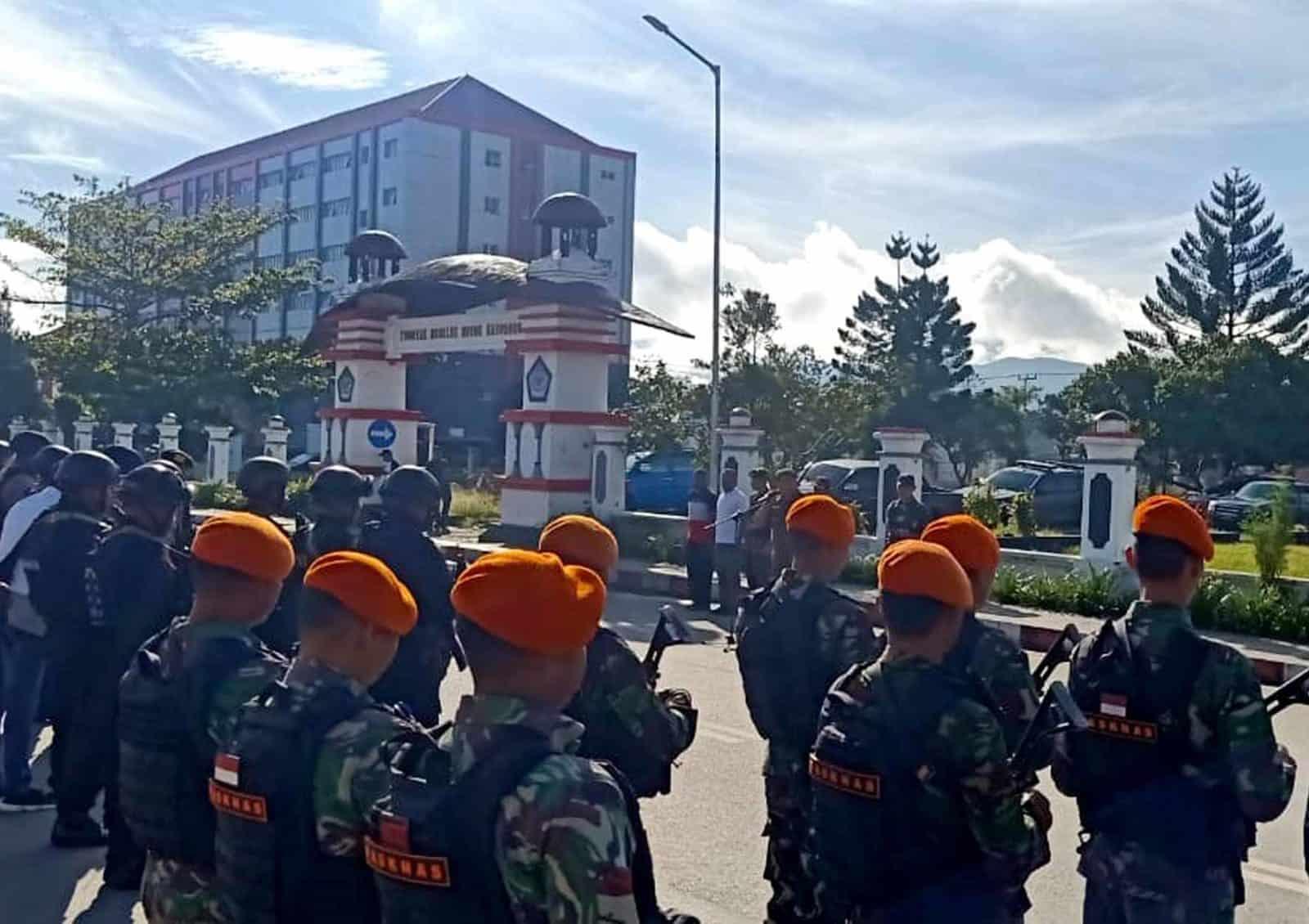 Satgas Pamrahwan Yonko 462 Paskhas Pos Bandara Wamena Ikuti Harkamtibnas