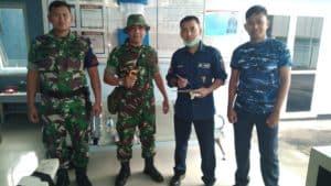 Personel Lanud Sam Ratulangi Periksa Suhu Tubuh Upaya Antisipasi Penyebaran Virus Corona