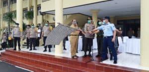 Komandan Lanud Sam Ratulangi Menghadiri Pelapasan Gerakan Preventif Penyemprotan Disinfektan Cegah Penyebaran (Covid-19) Di Polda Sulut