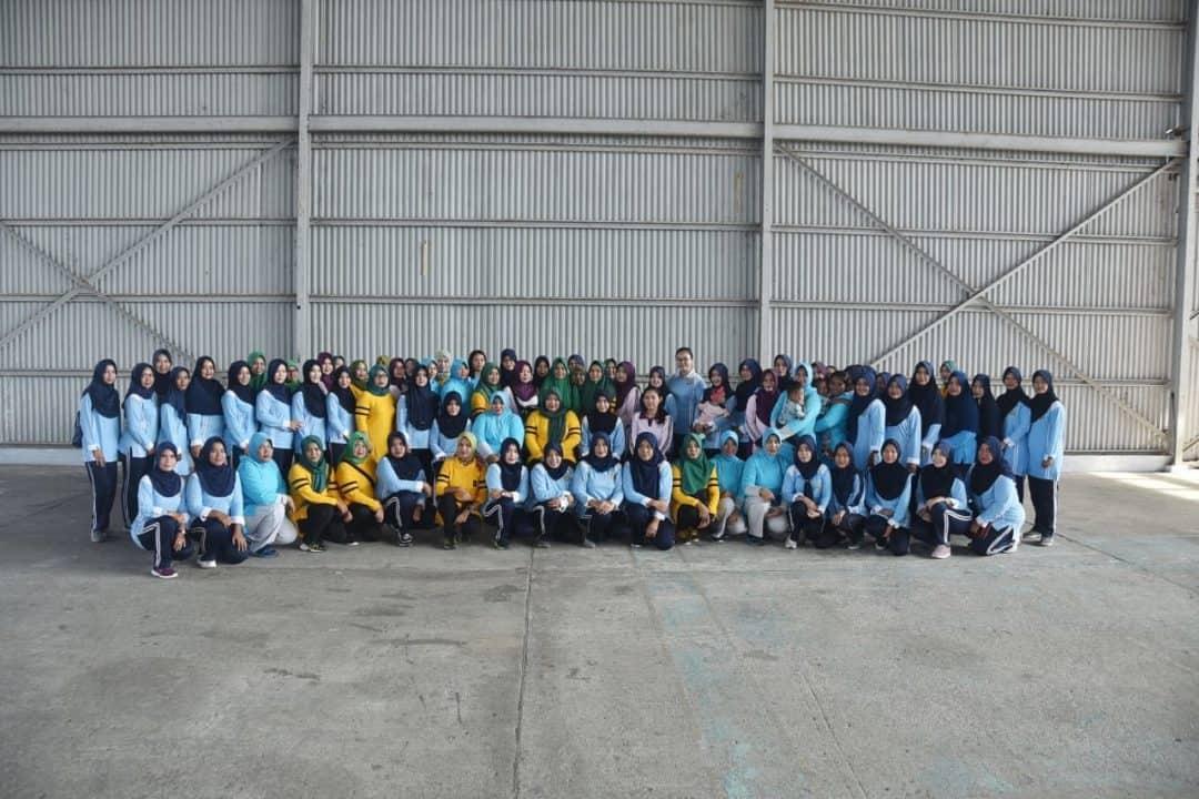 Ketua Pia AG Cab 16/Daerah I Lanud Mus Mantapkan Silaturahmi Dan Komunikasi Melalui Arisan Dan Olahraga Bersama.