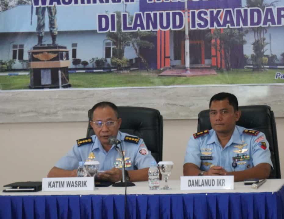 Taklimat Awal Kunjungan Kerja Wasrikkap Itkoopsau II di Lanud Iskandar