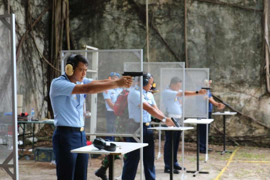 Tingkatkan Profesionalisme, Prajurit Lanud Dhomber Gelar Latihan Menembak