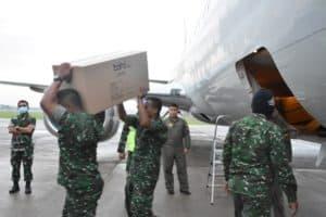 Bantuan APD Tangani Corona untuk wilayah Jawa Tengah mendarat di Lanud Adisutjipto