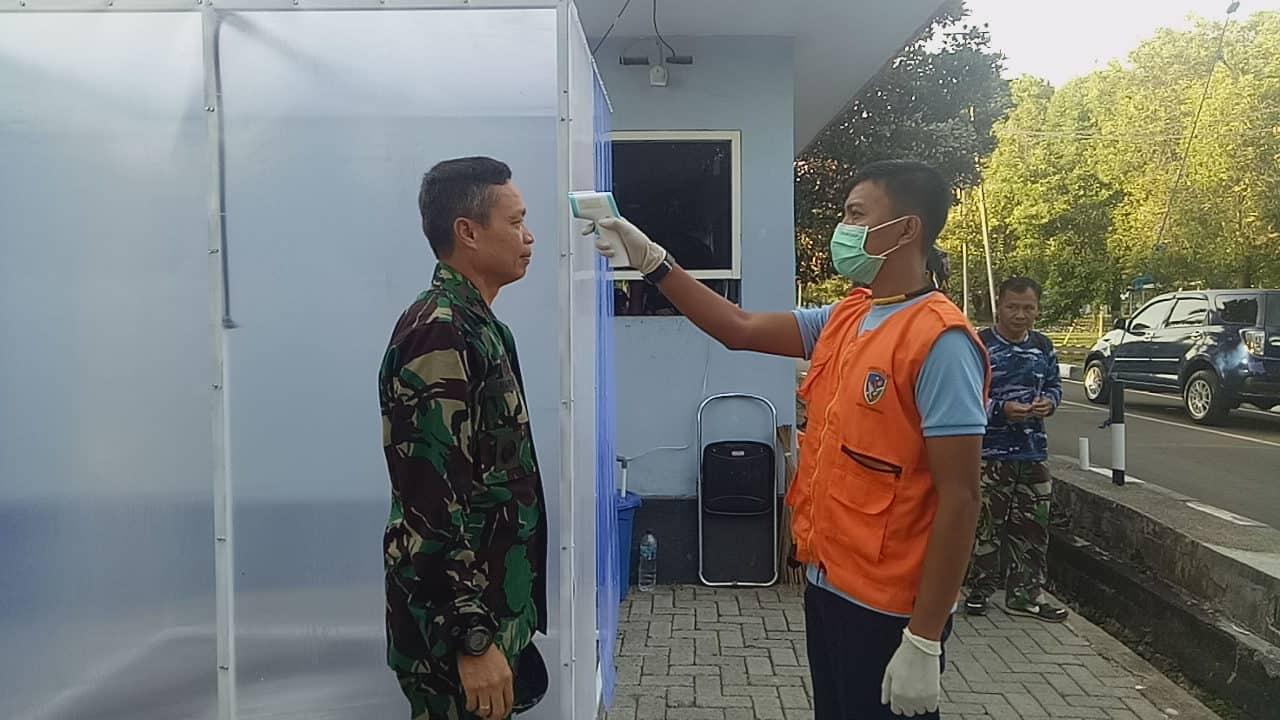 Cegah Virus Corona, RSAU Lanud Sultan Hasanuddin Lakukan Penyemprotan Disinfektan