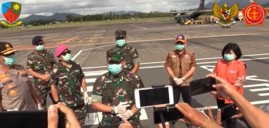 Pendistribusian Apd Oleh TNI-POLRI Untuk Sulawesi Utara di Lanud Sam Ratulangi