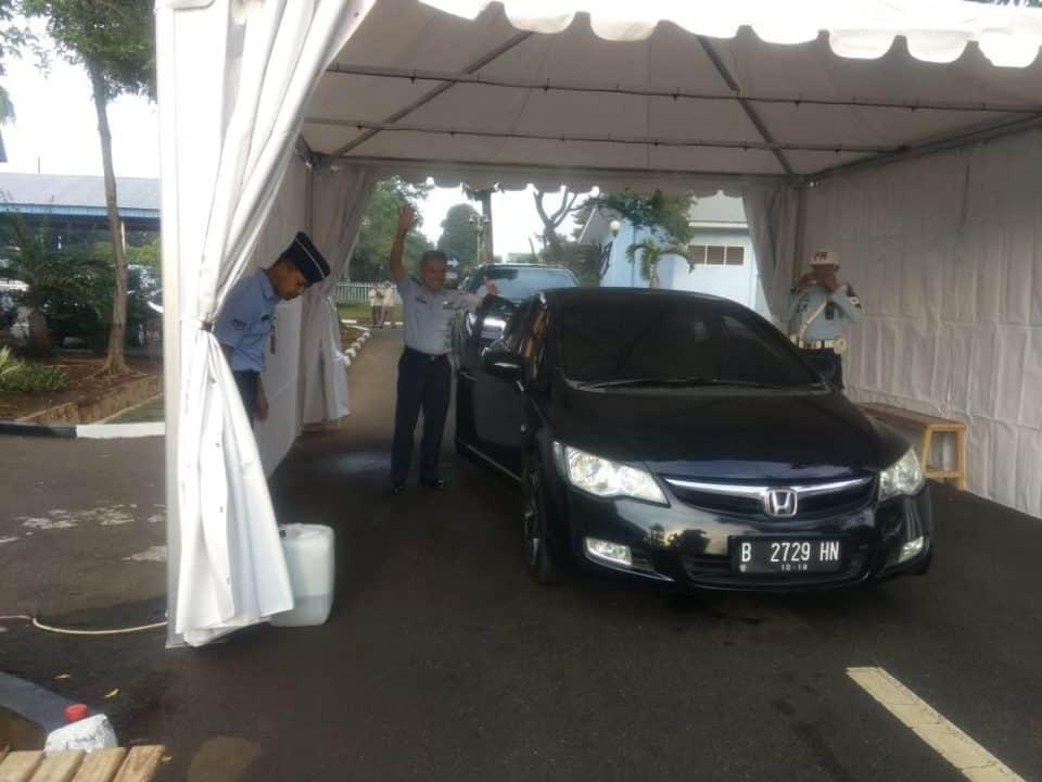 Kendaraan dan Anggota Makoopsau I wajib disemprot disinfektan