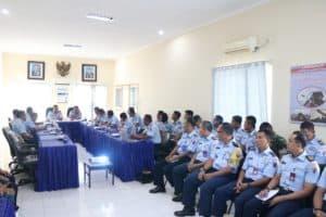 Ketua Tim Wasrik Itjenau Serahkan Hasil Temuan Ke Komandan Lanud Sutan Sjahrir