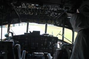 Hercules TNI AU Membawa Alkes dari China Transit di Lanud Rsa