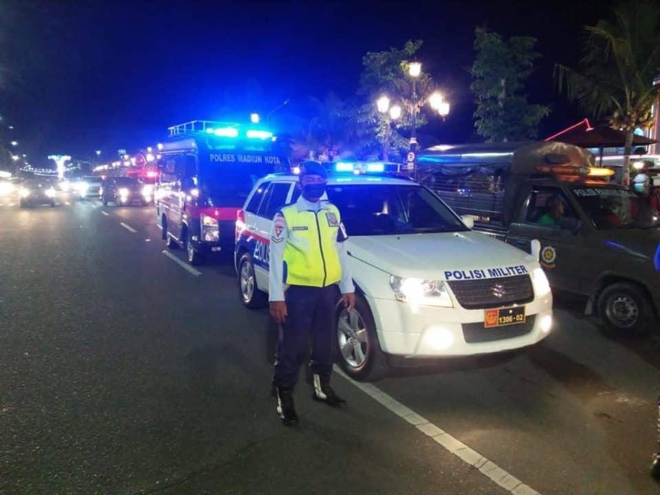 Cegah Penyebaran Corona, Satpomau Lanud Iswahjudi Gelar Patroli