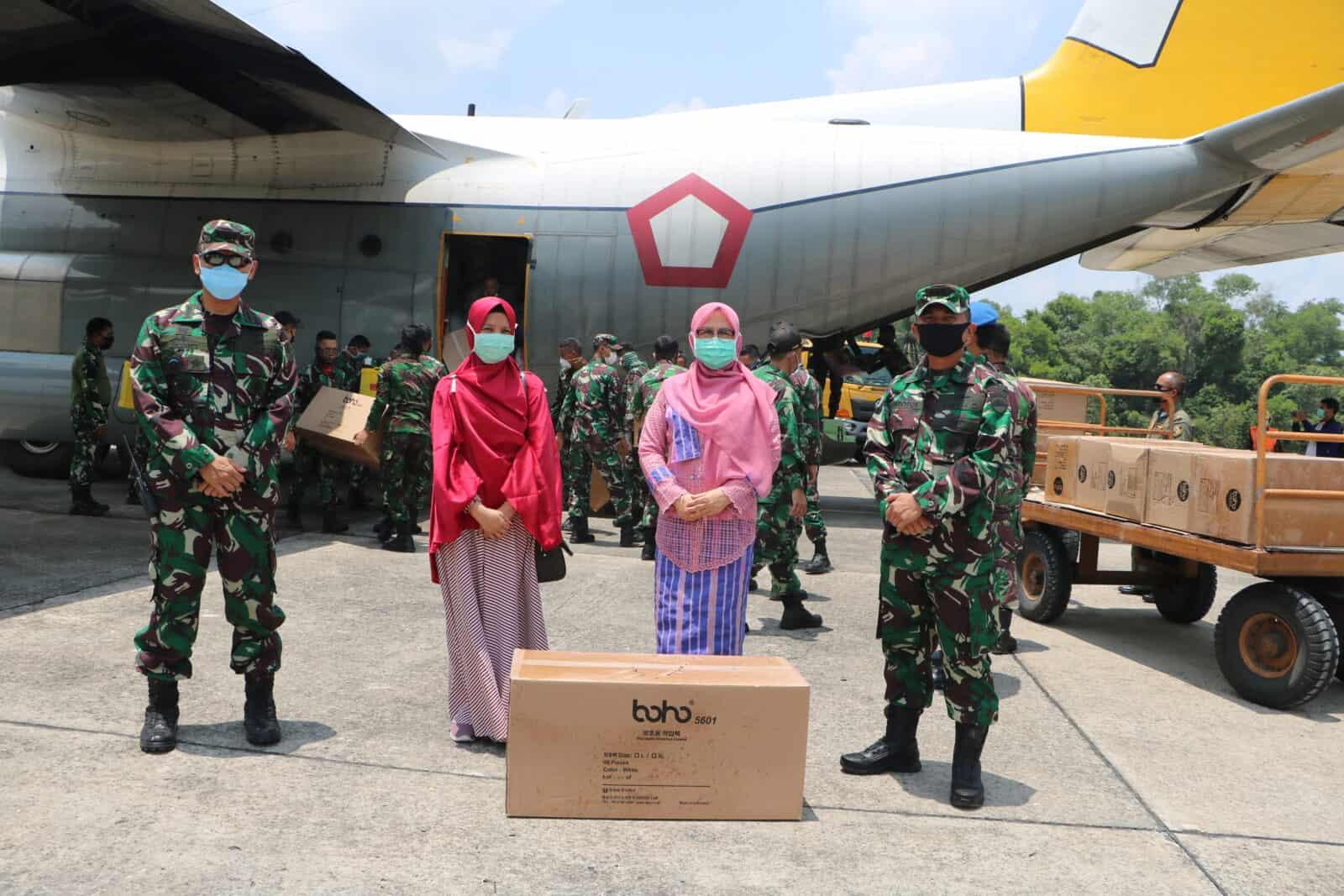 Pesawat TNI AU Kembali Kirim Bantuan APD Pusat ke Provinsi Riau