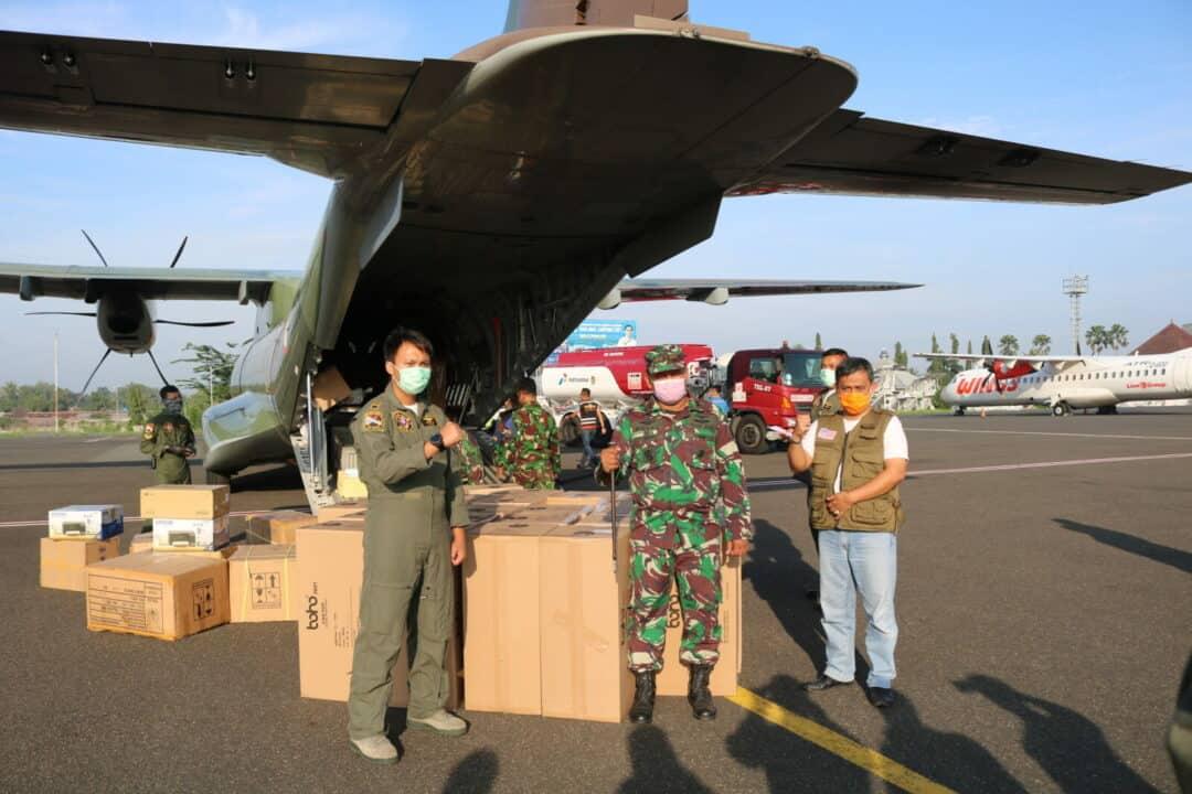2000 APD untuk Provinsi Lampung Telah Tiba di Bandara RDI dengan Pesawat CN-295
