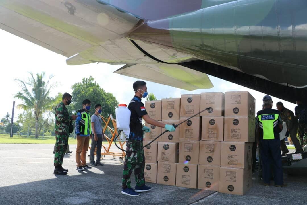 Bantuan Alkes Untuk Warga Maluku Kembali Tiba Dengan Pesawat TNI AU