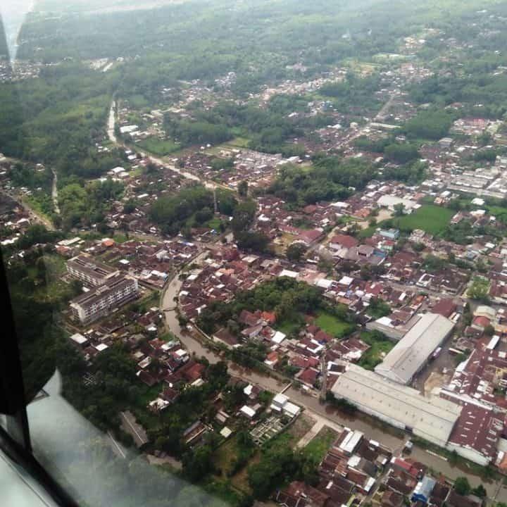Helikopter EC 120 Colibri TNI AU Pantau Work From Home di Atas Kota Malang