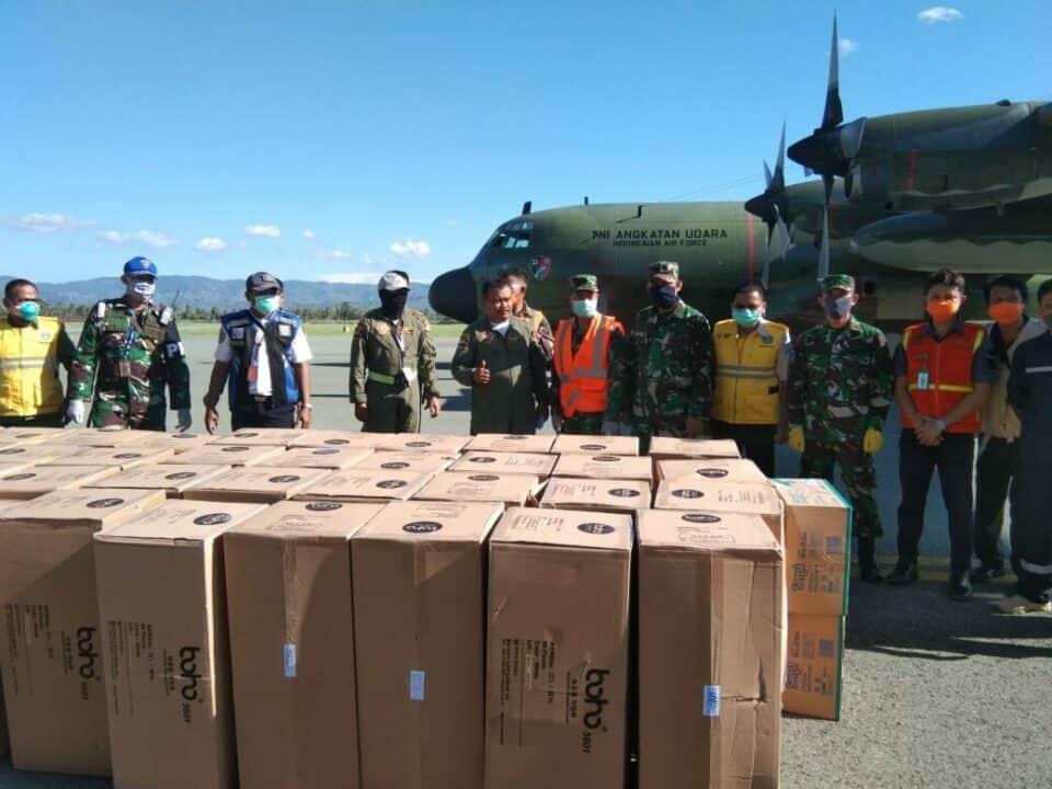 Ribuan APD Tiba di Gorontalo Menggunakan Pesawat TNI AU