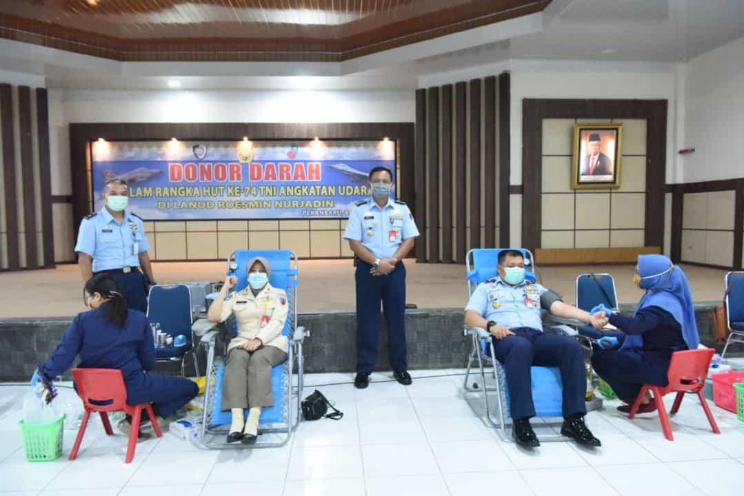 Bersempena HUT TNI AU Ke-74, Lanud Rsn Bantu PMI Kucurkan Darah Segar