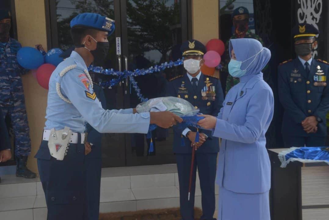 PIA Ardhya Garini Cab.11/D.II Lanud Sjamsudin Noor Bagikan Masker ke Keluarga Besar Lanud Sjamsudin Noor dan ke Panti Asuhan Akhlak Mulia Kota Banjarbaru