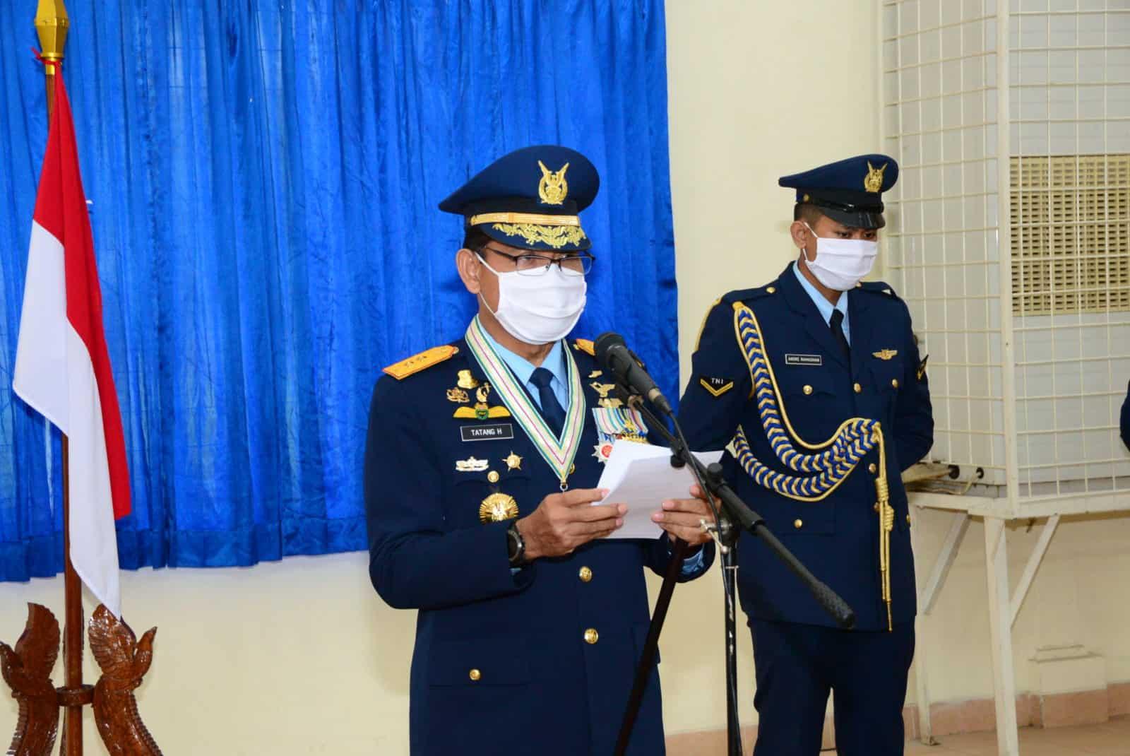 Upacara HUT Ke-74 TNI Angkatan Udara Di Makodiklatau