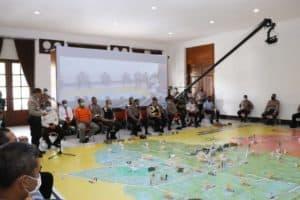 Antisipasi Kerusuhan Dampak Covid-19, TNI Polri Laksanakan Tactical Floor Game
