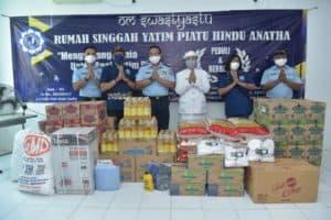 TNI AU bagikan Sembako, Disinfektan dan Masker ke Rumah Singgah Yatim Piatu