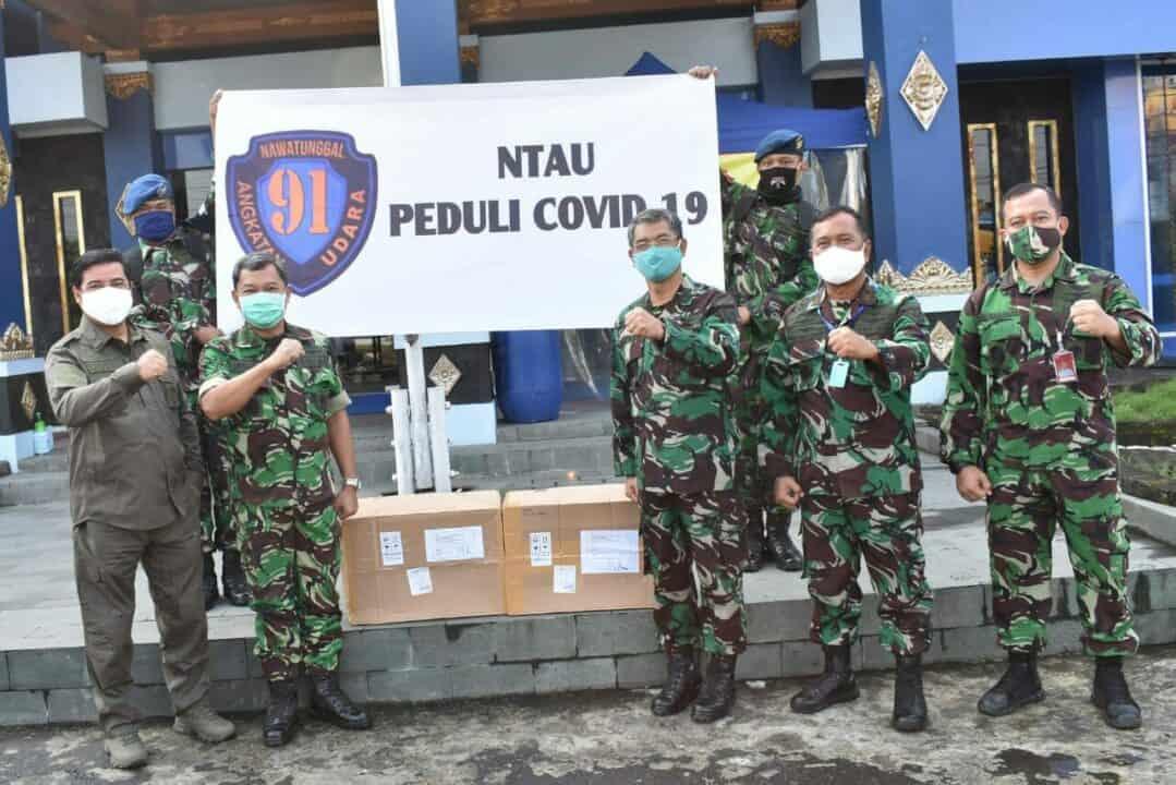 NTAU dan Tiara 91 serahkan bantuan Face Shields ke RSPAU Dr. S. Hardjolukito